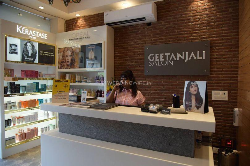 Geetanjali salon ashok vihar 2 stopboris Gallery