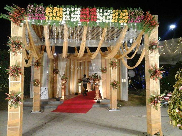 Lovely WeddingWire.in