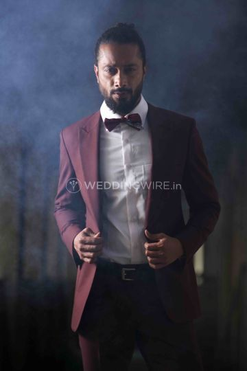 Maroon suit for cocktail