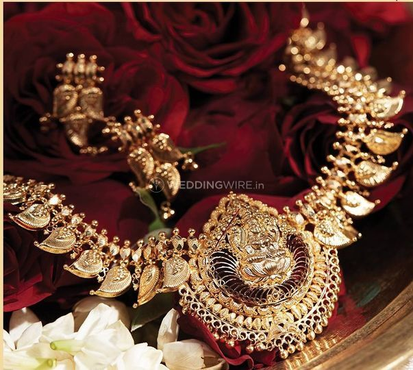 Statement Gold Necklace from Tanishq NIT, Faridabad | Photos