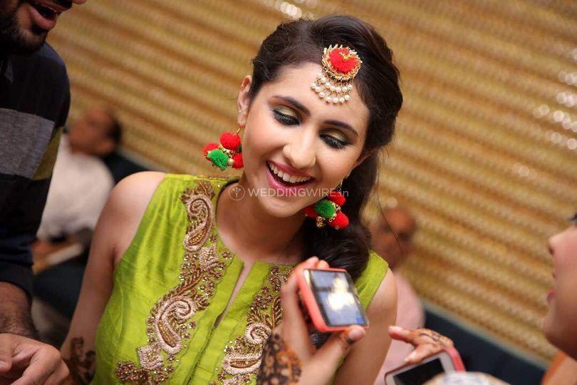Mehndi Makeup In : Mehndi makeup from kanika khosla photo