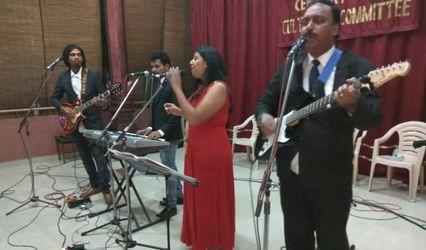 Retros Live Band