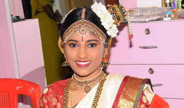 Bridal Makeup School of Chennai
