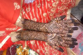 Khushi Mehendi Designer