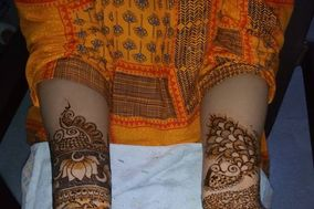 Esthetic Mehendi Designs by Mili Paul