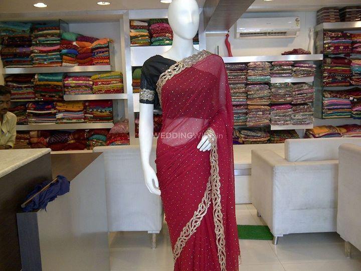 Shobha N Saheli Sarees
