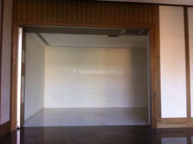 Oval room indoor vedi room