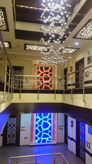 Hotel Square Inn