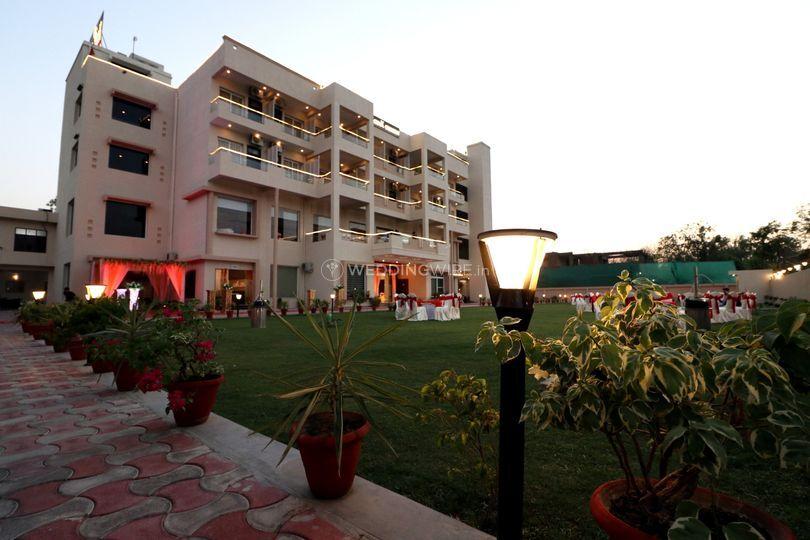 GenX Crescent, Lucknow