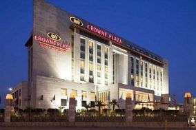 Crowne Plaza, Okhla Phase 1