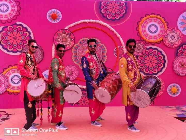 Punjabi Dhol, Bhangra & Other Punjabi Wedding Ideas To Pump Up The Joy