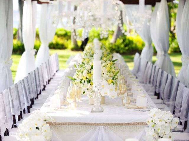 10 White Colour Combination Photos for Wedding Decor That Are Stunning, Picaresque and Totally Eye Catchy