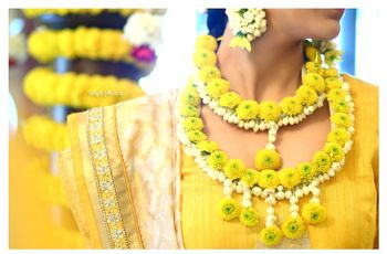 8 Real Flower Jewellery Pieces That Every Bride Needs in Her Bridal Trousseau