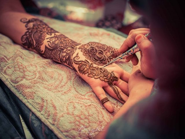 Amaze Everyone with These 12 Chic Arabic Mehndi Designs for the Millennial Bride