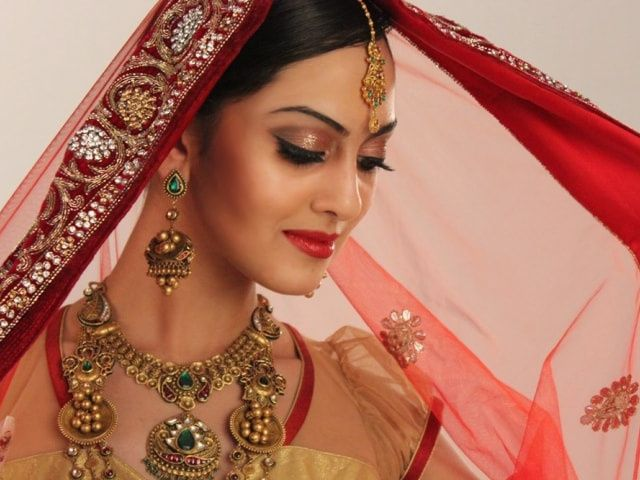 How to be a Glamorous Bride: Makeup and Styling Tips