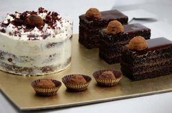 Ways to Include Chocolate in Your Wedding