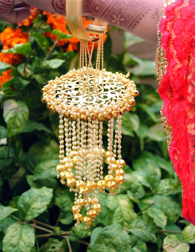 Abhika Gems and Jewels