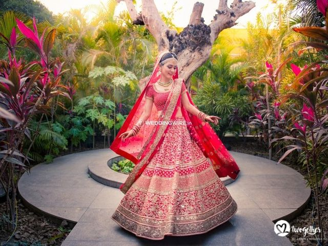 How to Shop for Your Bridal Lehenga Like a Pro