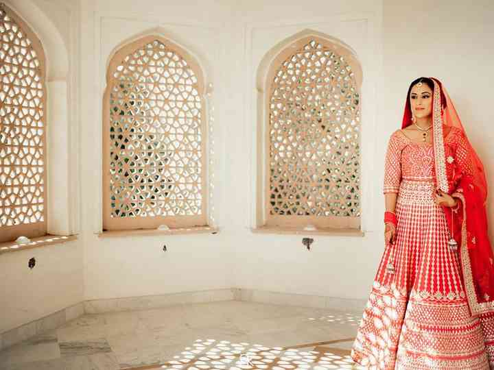 A Smart Guide for the Millennial Bride to Find Bridal Lehenga with Price for Every Occasion