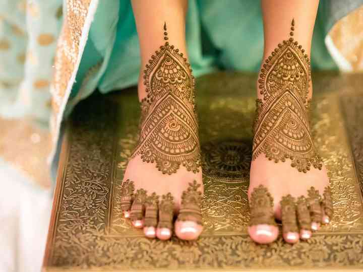 6 Intricate and Irresistible Bridal Mehndi Designs and How to Make Them Last Longer