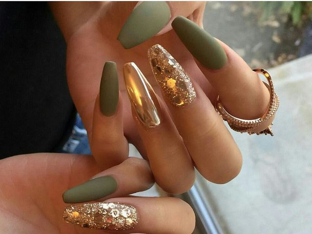Bridal Nail Art Inspirations for a Lustrous Charm