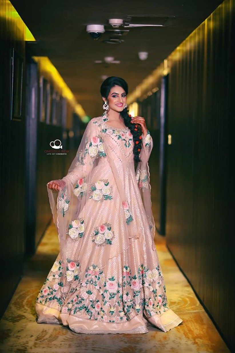 Elegant Indian Dresses For Wedding Guests | Lixnet AG