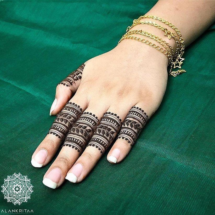 9 Gorgeous Finger Mehndi Designs For The Trendsetter Brides And