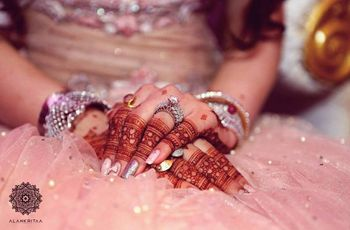 9 Gorgeous Finger Mehndi Designs for the Trendsetter Brides and Bridesmaids
