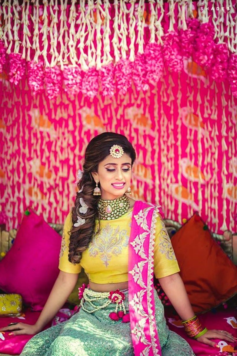 8 Hairstyles For Indian Wedding Reception To Set You Apart From The