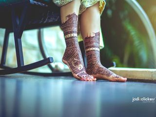 Mehndi Design Images: This Is How Real Brides Flaunt It
