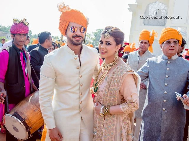 Deck It Up: The Details Which Make Men's Indian Outfits for Weddings Fab