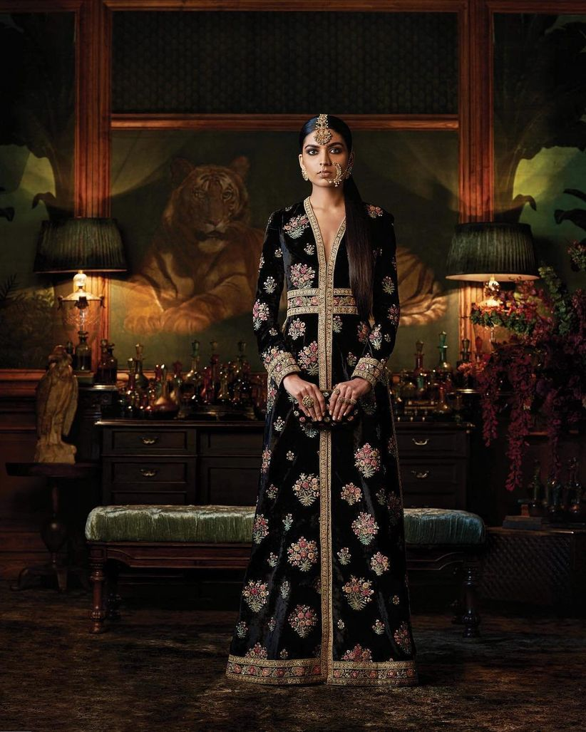 17 Sabyasachi Anarkali Dresses That Are #BridalGoals for the New-Age