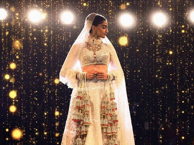 7 Websites to Shop Your Wedding Lehenga Online and Ditch the Hassle & Hustle