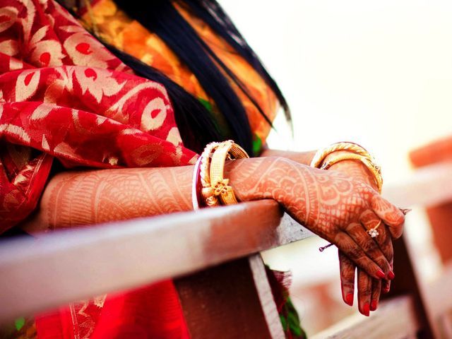 Bengal's Bangles! Check out Some Spectacular Designs of Bengali Bangles Sported by Recent Brides!