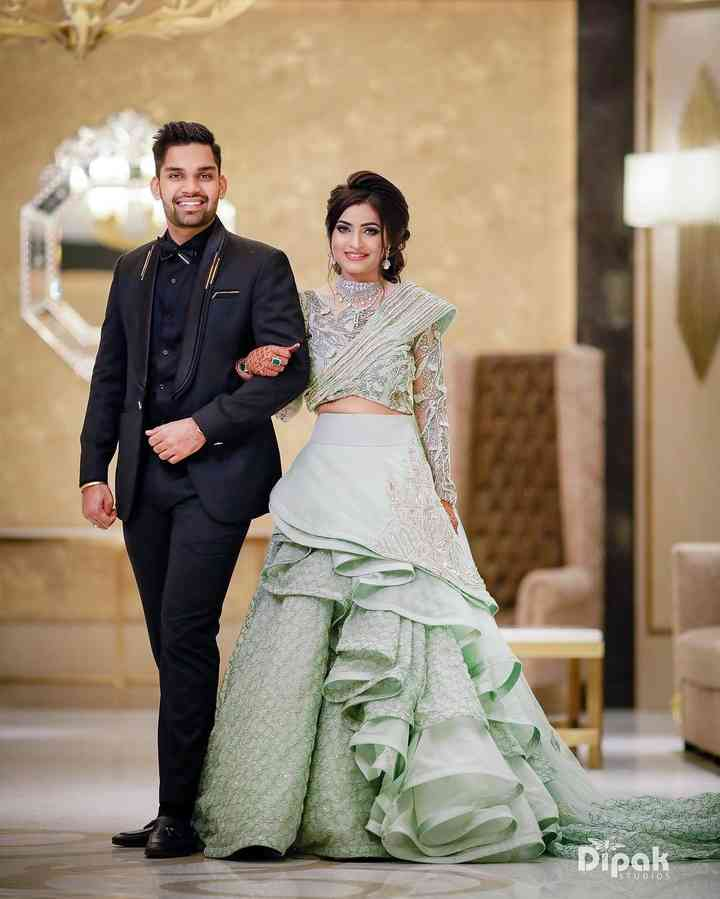 12 Kinds of Engagement Suits for Groom to Flaunt His Dapper
