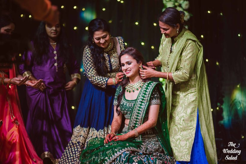 8 Traditional Hindu Wedding Gift Ideas With A Millennial