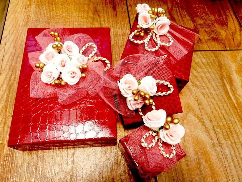 8 Interesting Indian Gift Ideas For The Bride And The Groom And How