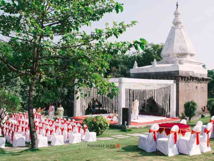 Host the Wedding of Your Dreams at the Beautiful Jadhavgadh Fort by Following These Steps