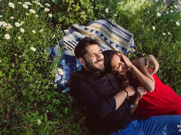10 Romantic Pre-Wedding Shoot Poses That Makes Your Heart Melt