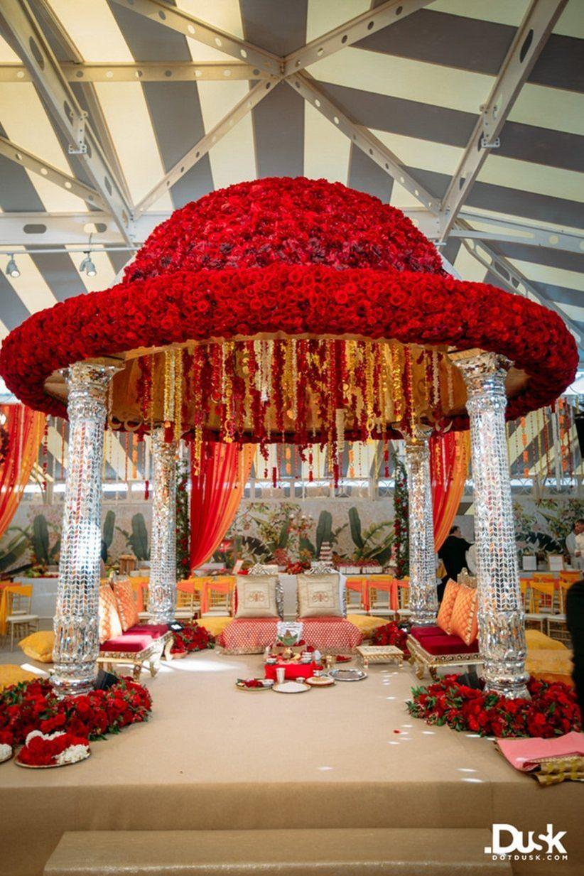 12 Awe-Inspiring Wedding Mandap Decoration with Flowers ...