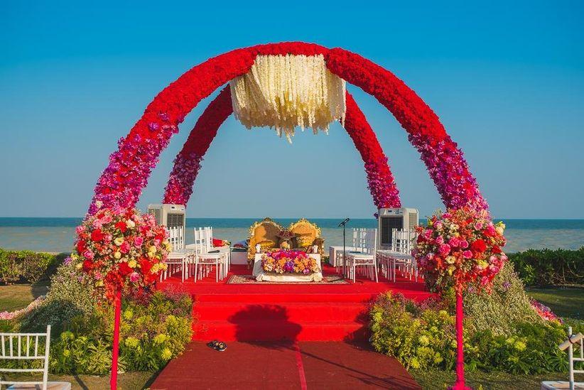 12 Awe Inspiring Wedding Mandap Decoration With Flowers You