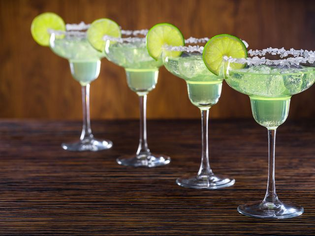 The Best Cocktails for your Engagement Party