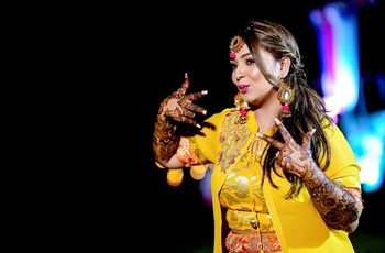 12 Quirky Dulhan Mehndi Designs That Will Guarantee Head-Turns On Your Wedding Day!