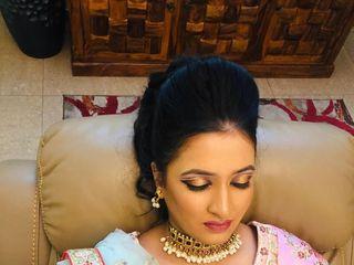 Dolly Chandra Makeup Artist 1