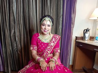 Glam Makeovers by Nandini Pandey 2