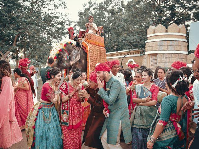 Nishtha and Nirmal's wedding in Rajkot, Gujarat 6