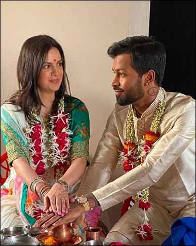 Hardik Pandya and Stankovic Spill The Beans Of Their Lovely Intimate Wedding And Pregnancy! 💙🧡💛 - 2