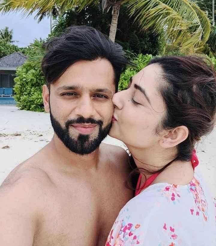 Rahul Vaidya and Disha Parmar are having the best time in Maldives! - 2