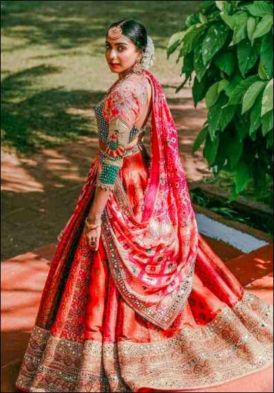 Uh oh, i am in love with this multi-hued lehenga! - 3