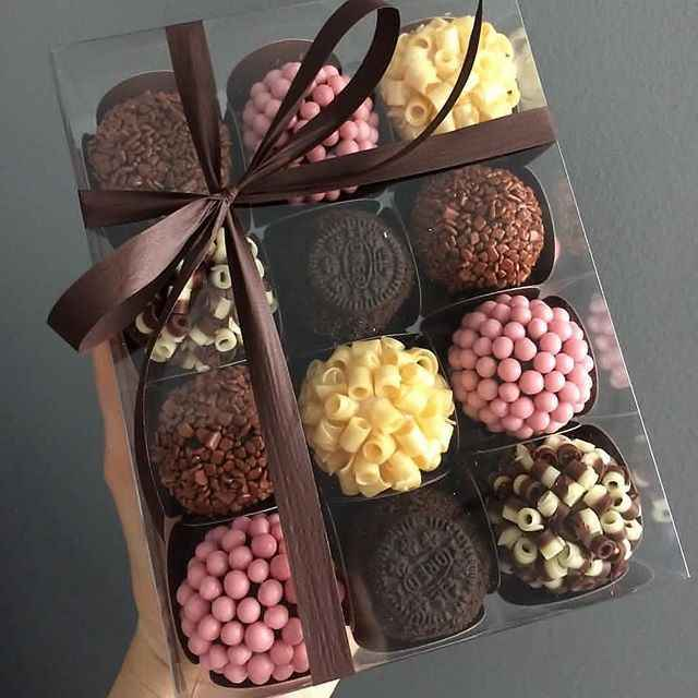 Customised chocolate box with card - 1
